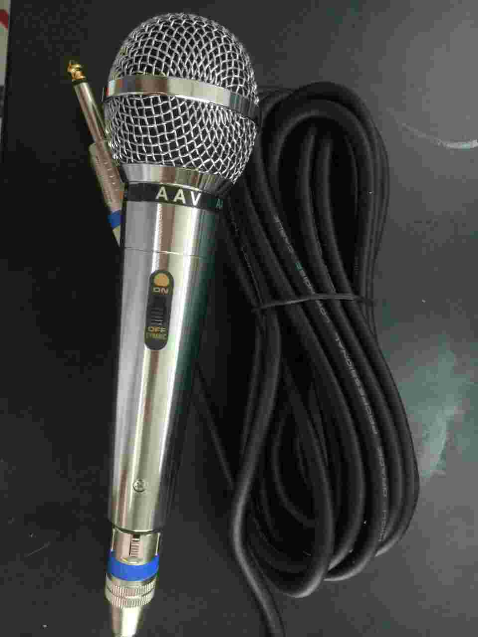 Micro AAV-4000  hiện đại, sang trọng, hát karaoke cực tuyêt,với những tính năng hiện đại nhất